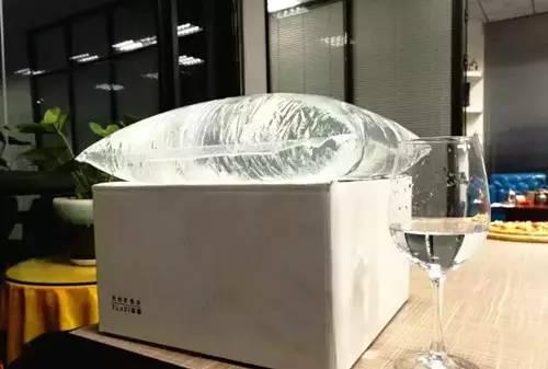 """扔掉瓶子和桶吧!饮用水要换""""袋""""了!"""